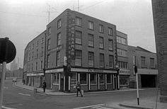 The Chinaman Pub on Golden Lane and Ship Street Great. Dublin Street, Dublin City, Old Pictures, Old Photos, Grafton Street, Photo Engraving, Dublin Ireland, Old City, Historical Photos