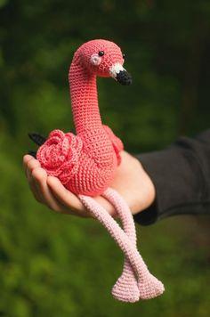Floyd the Flamingo amigurumi pattern by yorbashideout