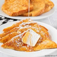 These pumpkin pancakes are so light and fluffy, with the perfect pumpkin spice flavor. This is the best pumpkin pancake recipe you'll find! Pumpkin French Toast, Homemade Pumpkin Puree, Pumpkin Pancakes, Pumpkin Chocolate Chips, Lemon Cheesecake, Smoothie Recipes, Cookies Et Biscuits, Cookie Recipes, Baking