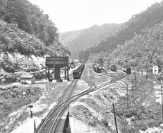 Appalachian People, Appalachian Mountains, Alien Sightings, Model Train Layouts, Model Trains, Kentucky, Virginia, Street View, History