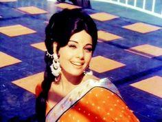 Mumtaz : To date she's imitated, never equalled Bollywood Dress, Bollywood Photos, Vintage Bollywood, Bollywood Stars, Indian Actresses, Actors & Actresses, Indian Goddess, Indian Costumes