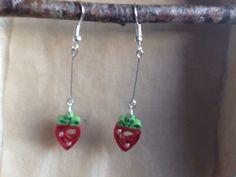 Le chouchou de ma boutique https://www.etsy.com/fr/listing/275173640/boucles-doreille-fraises-en-quilling