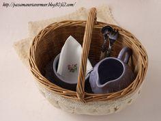 手つきバスケット カバーつき ***「Chez Mimosa シェ ミモザ」   ~Tassel&Fringe&Soft furnishingのある暮らし  ~   フランスやイタリアのタッセル・フリンジ・  ファブリック・小家具などのソフトファニッシングで  、暮らしを彩りましょう     http://passamaneriavermeer.blog80.fc2.com/