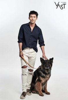 Hyun Bin Supports Rescue Work Dogs in South Korea Hyun Bin, Song Hye Kyo, Handsome Actors, Cute Actors, Korean Celebrities, Korean Actors, Korean Dramas, Ha Ji Won, Black Actors