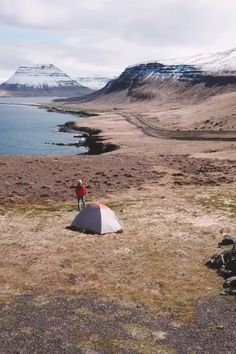 There are many great places to camp in Iceland. Click for a complete guide with an epic Iceland camping list of all the best campsites in Iceland. If you're planning an Iceland tent or campervan itinerary. #iceland #icelandtravel | Camping Grounds | Iceland Campsites | Top 10 Iceland Campsites – The Best Spots For Camping In Iceland | Iceland Camping | Iceland Camping Packing List | Iceland Camping Sites | Iceland Camping Card | Where To Stay In Iceland | where to stay in reykjavik iceland