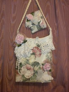 Here is A lovely Shabby Chic Bag you will be proud to carry or give as a gift. It is made of a pink rose covered home decor fabric. Medium weight.