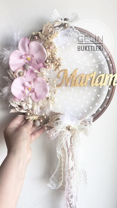 Diy Home Crafts, Baby Crafts, Diy Crafts To Sell, Maquillage Or Rose, Birthday Decorations, Wedding Decorations, Baby Shower Deco, Deco Champetre, Embroidery Hoop Crafts