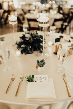 This couple didn't use any floral in their wedding decor, opting for greenery and candles to set a romantic vibe Round Wedding Tables, Wedding Table Centerpieces, Wedding Flower Arrangements, Wedding Table Settings, Wedding Reception Decorations, Decor Wedding, Farm Wedding, Boho Wedding, Elegant Wedding