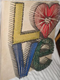 String Art.    wow, I love this . So cute & simple. I think I'll start off with trying this one. !