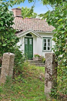 Granny pods small Old European Homestead + Summer + Vintage + Green + barrel red tiles + Country Cottage. Swedish Cottage, Cozy Cottage, Cottage Living, Cottage Homes, Cottage Style, White Cottage, Country Living, Small Cottages, Cabins And Cottages