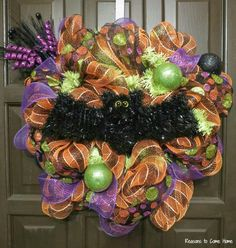 halloween garland in deco mesh prettify your life episode 113 halloween stairs creative ideas pinterest halloween garland wreaths and garlands - Deco Mesh Halloween Garland