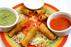 la Taquería es un restaurante mexicano que nos brinda algunas promociones dependiendo del día y la hora para poder disfrutarlas. Si quieres conocer este restaurante ya sabes que aquí puedes hacerlo, o si estás antojado de un delicioso plato mexicano y no quieres salir de casa puedes pedirlo aquí:  http://www.hellofood.com.co/restaurants/index/cuisines/mexicana