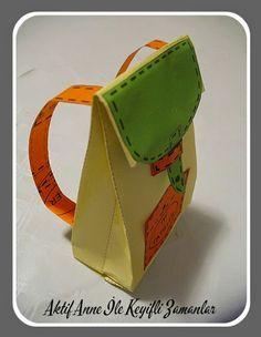 """Karne zamanı yaklaşıyor.     Yoğun istek üzerine karnenin yanına hediye edilebilir """"Hediye Minik Okul Çantası"""" hazırladım.              ..."""