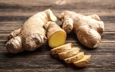 Zázvorová voda: Přírodní spalovač tuku, který urychluje proces hubnutí Ginger Plant, Ginger Water, Fresh Ginger, Benefits Of Drinking Ginger, Health Benefits Of Ginger, Proper Nutrition, Nutrition Tips, Ginger Facts, Growing Ginger