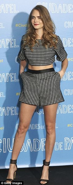 Cara Delevingne looked gorgeous in a matching crop top and shorts for the Paper Towns photo call in Madrid