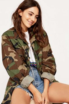 Shop Urban Renewal Vintage Surplus Camo BDU Jacket at Urban Outfitters today. We carry all the latest styles, colours and brands for you to choose from right here. Army Jacket Outfits, Camo Jacket Women, Army Camo Jacket, Camo Print Jacket, Vintage Military Jacket, Khaki Jacket, Vintage Jacket, Brown Jacket, Camo Fashion
