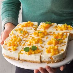 Lemon Cheesecake Recipes, Mango Cheesecake, Lemon Desserts, Healthy Dessert Recipes, Healthy Chicken Recipes, Cupcake Recipes, Crockpot Recipes, Drink Recipes, Lemon Brownies