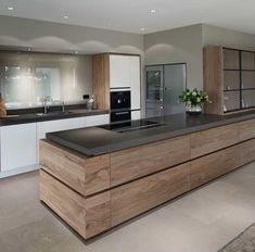 Modern Kitchen Design Een moderne keuken komt tot leven door de combinatie van… - Modern Resume Template with Cover Letter Modern Kitchen Cabinets, Modern Kitchen Design, Interior Design Kitchen, Grey Cabinets, Interior Ideas, Kitchen Designs, Modern Design, Modern Interior, Home Decor Kitchen