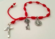 San Benito Medalla Llave Cruz Pulsera Rosario de Mano Con Nudos de Hilo Rojo   eBay