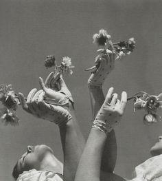 The Glove Ballet, 1936