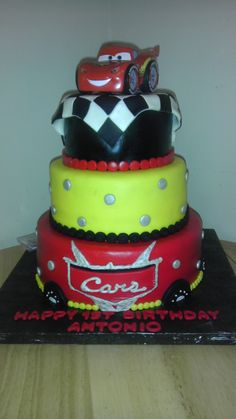 Bottom half of cake Car Themed Parties, Cars Birthday Parties, Birthday Fun, Birthday Ideas, Disney Cars Cake, Disney Cars Party, Disney Cars Birthday, Cupcake Cookies, Cupcakes