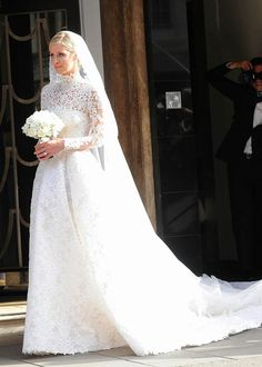 Nicky Hilton marries James Rothschild in Valentino, 2015.