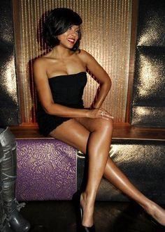 Taraji P. Henson look at those legs! Sexy Women, Women Legs, Beautiful Black Women, Beautiful People, Taraji P Henson, Sexy Ebony, Brown Girl, American Women, Sensual