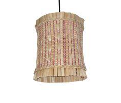 Luminária Ecológica artesanal redonda em fibra de Taboa trançada com fios de algodão.