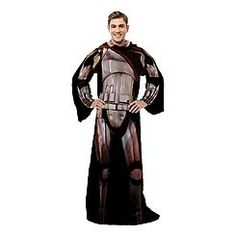 OMG is that a Phasma Snuggie ??? Star Wars Sleeved Blanket - Captain Phasma