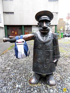 EMY Cursos de idiomas en el extranjero. Cursos de inglés en Irlanda. Curso de inglés en Dublín. EMY 2012. La mochila de EMY.