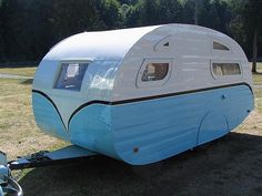 Vintage Caravan..... Re-pin brought to you by #HouseofInsurance #EugeneOregon for #Autoinsurance
