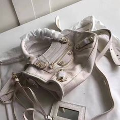 Balenciaga Clasic Gold Metallic Edge Goatskin City Bag 23cm White White P, Designer Purses, Balenciaga City Bag, Bag Sale, Metallic, Shoulder Bag, Classic, Gold, Bags