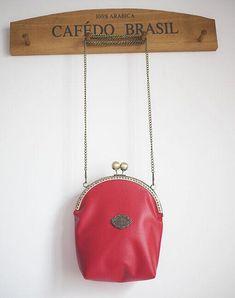 Vintage PU bag Metal frame purse/coin purse / handbag /Pouch/clutch/tote bag/ Kiss lock frame bag