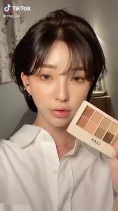 Korean Makeup Tutorial Natural, Asian Makeup Tutorials, Korean Natural Makeup, Korean Make Up Natural, Tutorial Make Up Natural, Make Up Korean, Korean Hair, Makeup Korean Style, Korean Makeup Tips