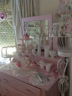 Shabby chic cake table