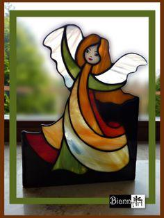 Candle Angel. Świecznik witrażowy Aniołek więcej http://biannart.blogspot.com/2013/11/swieczniki-anioly.html