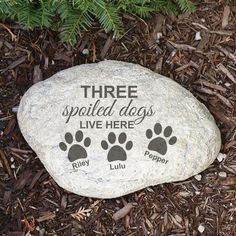 Personalized Pet Garden Stone Spoiled Dog Large Round or 3 Dog Pawprints Dog Garden, Home And Garden, Personalized Garden Stones, Stone In Love, Customized Gifts, Garden Design, Pets, Outdoor Decor, Sun