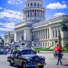 """#Havana, ,,Velika dama"""", osvaja svakog posetioca svojim šarmom. Kao najveći kulturno-istorijski centar Kariba, ona ima puno toga da ponudi, stoga je nemoguće obići je u jednom danu. http://travelboutique.rs/destinacije/kuba/ #kuba #cuba #havana #putovanje #letovanje"""