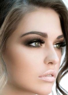 5. Skip the Black Liner - 11 Awesome Makeup Tips for Green Eyes ... → Makeup
