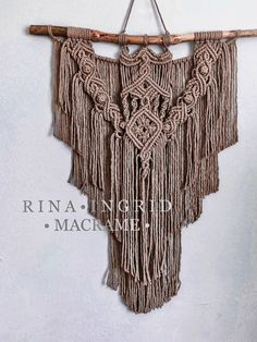 Design by #rinaingridmacrame Macrame Tutorial, Diy Tutorial, Boho Home, Old Mother, Macrame Art, All Design, Arts And Crafts, Wall Hangings, Pattern