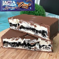 Image uploaded by Téquila. Find images and videos about sweet, chocolate and dessert on We Heart It - the app to get lost in what you love. I Love Food, Good Food, Yummy Food, Cute Desserts, Delicious Desserts, Comida Disney, Snack Recipes, Dessert Recipes, Junk Food Snacks