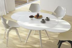 Expandable round dining table - A round glass table adds fantastic lightness to the design of the room. A transparent glass table Mid Century Dining Table, Walnut Dining Table, Expandable Round Dining Table, Portable Table, Large Table, Spacious Living Room, Glass Table, House, Home Decor