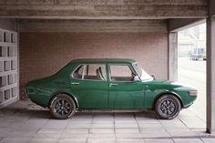 Saab 99 nice clean lines. No bumpers or trim. Retro Cars, Vintage Cars, Saab Automobile, Saab 900, Custom Wheels, Custom Cars, Car Engine, Volvo, Cars And Motorcycles