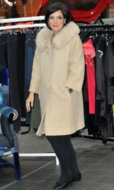 At the opening of Lucy In Disguise, Lily Allen went for a sophisticated vintage fur-collar tweed coat which had a fittingly retro feel for the new vintage shop.  CELEB TREND FAUX FUR  www.pertlybeast.com