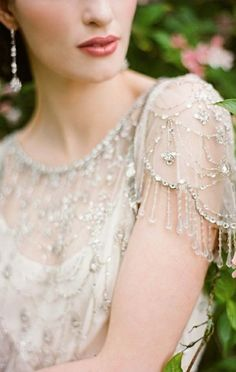 Jenny Packham via Chic Parisian.   jaglady