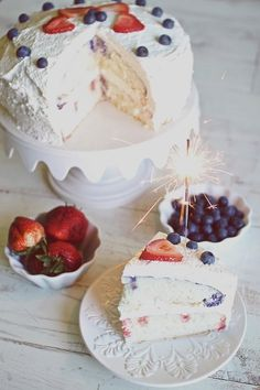 4th of July Strawberry Blueberry Cake #recipes #baking