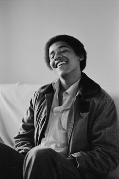 vintage everyday: 20 Fun and Intimate Black and White Photographs of Barack Obama as the Freshman in 1980