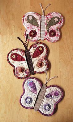 Butterfly potholders!! @cheryl ng ng ng ng Polk spears needs these...