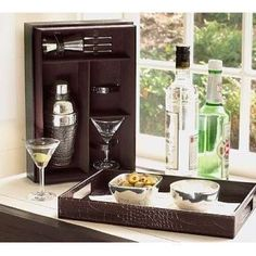 $22 Starting Bid:Pottery Barn Martini Gift Set with Tray https://www.outbid.com/auctions/1663#7