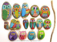 Hand Painted Stone Owls by ISassiDellAdriatico on Etsy #isassidelladriatico